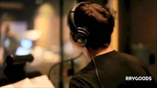 justin bieber singing in the studio - best vocals