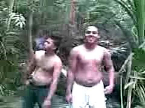 dua cowok bugil gila joget