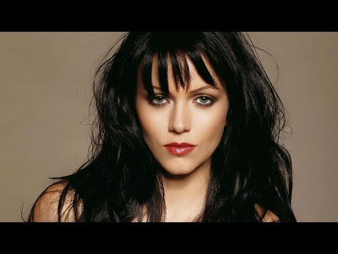 Yana Gupta caught without underwear!! UNCENSORED