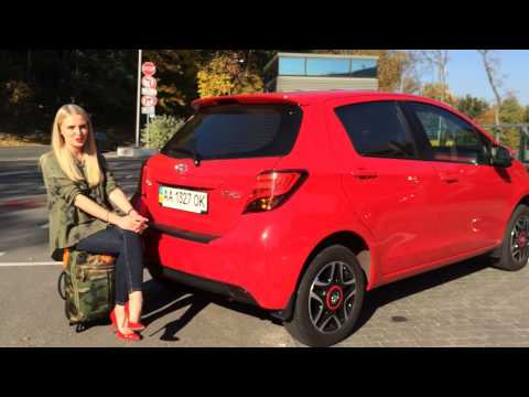 Блондинка за рулём: тест-драйв Toyota Yaris в комплектации Style 2014