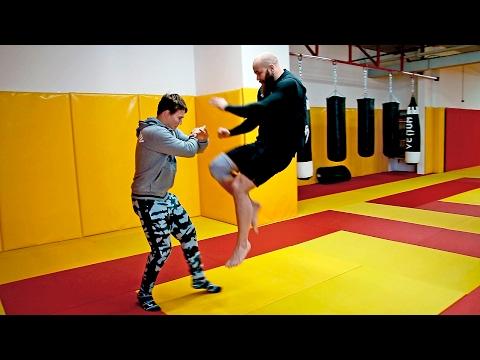 Как правильно бить коленями в драке - Самбо для пацанов