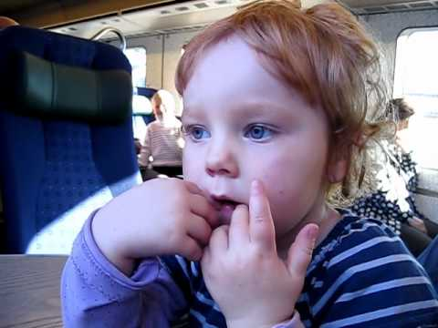 101016 Ella på tåget.avi