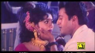 Sakil khan Sabnur Riaz Bangla movie songs (oi chand Mukhe Jeno Lagena grahon)
