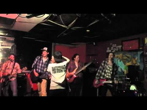 First of Autumn – Count Me Out Live in Trenton