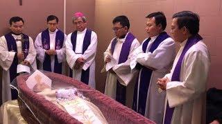 Video nghi thức Tẩn liệm và đóng nắp quan tài cho Đức Cố Tổng Giám Mục Phaolô Bùi Văn Đọc