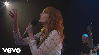 Клип Florence & The Machine - What The Water Gave Me (live)