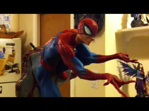 Sideshow Spiderman Comiquette Review.
