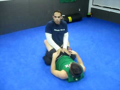BJJ (Brazilian Jiu-Jitsu) Techniques: Great guard pass Image 1