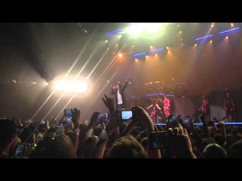 Nicki Minaj Brings Out Meek Mill In Paris (Video)