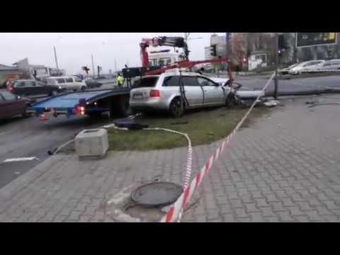 В результате жуткого ДТП в Бресте пострадали 6 человек. Машины разорвало на части