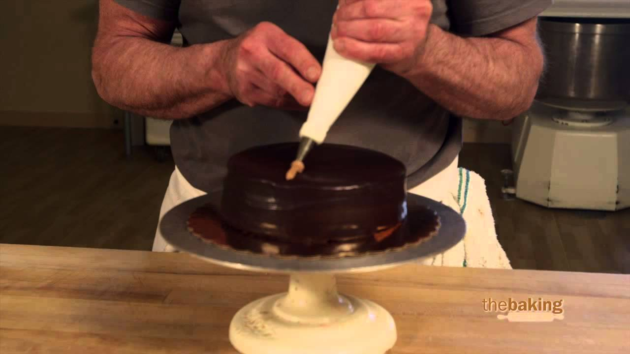 How To Decorate Cake With Chocolate Ganache