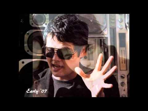 Gerard Way hairstyles through the years ('79-'10)