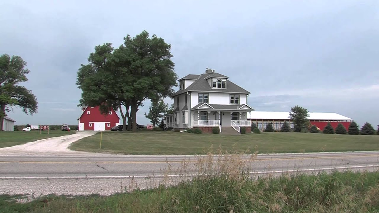 Iowa Farms Inc Family Moves Farm to Iowa to