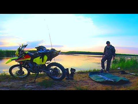 На мотоцикле за щукой. Рыбалка вечером в 1 час. Ловля щуки на поппер. Suzuki dr-z 400