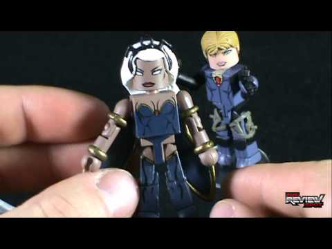 Collectible Spot - Diamond Select Toys Marvel Vs Capcom 3Minimates Storm and Jill Valentine