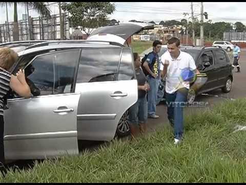 Dois engavetamentos deixam o trânsito lento na avenida Rondon Pacheco