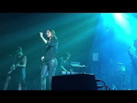 Zazie - Encore heureux (live)