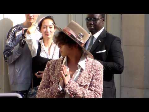 G-Dragon & Kiko Mizuhara at Paris Chanel Show 30 September 2014