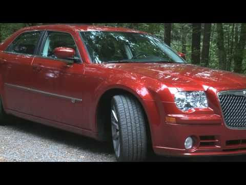 Chrysler 300 C SRT8 2010 Video