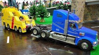 RC ADAC RECOVERY TRUCK SERVICE AT THE HARD WORK AMAZINGLY DEATAILED MODEL IN ACTION