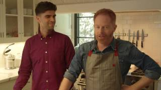 download lagu Modern Family: Jesse Tyler Ferguson's Holiday Potluck Party  gratis