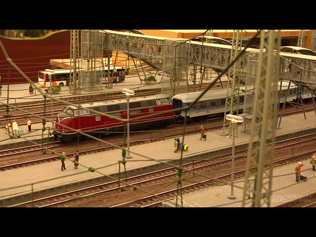 Very Large Modular Model Train Layout in HO Scale with Nudist Beach