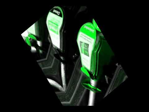 Indian Mechanic Adds Petrol to Diesel