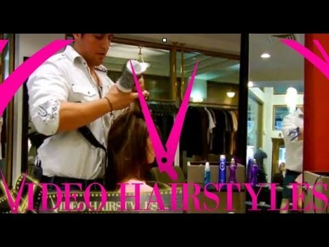 The sexiest hairstylist! Blow out tutorial