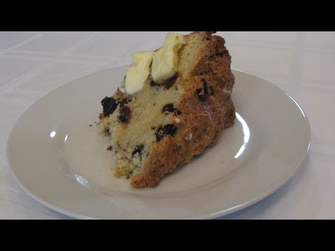 St. Patrick's Day Irish Soda Bread -- Lynn's Recipes