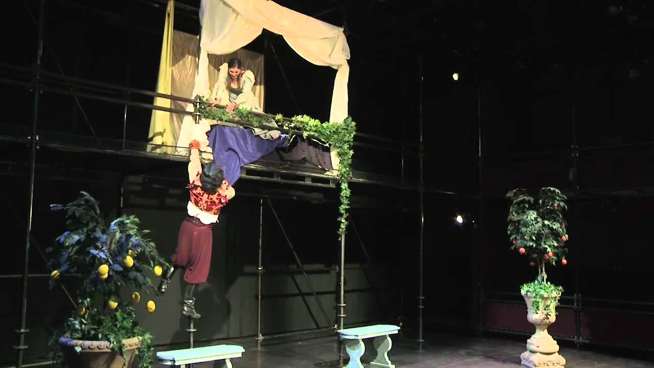Romeo and juliet play balcony scene.