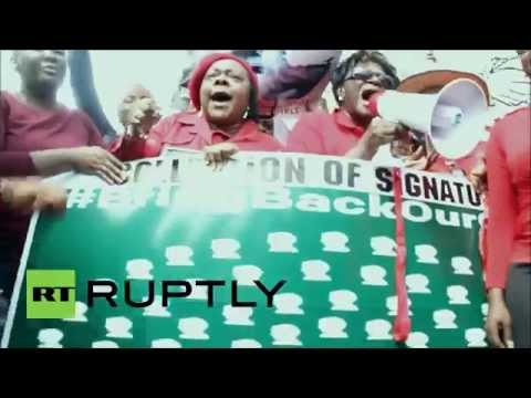 "Nigeria: ""Bring back our girls!"" cry protesters in Lagos"