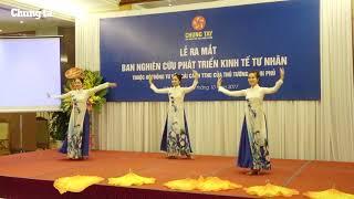 Màn múa 'Hello Vietnam' - Đoàn Văn công FPT