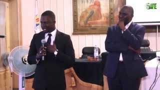 Thione Niang adresse un message aux jeunes lors du Give1talk avec Mr Babacar Ngom