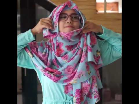 Tutorial 7 in 1 pasmina instan motif dua lubang shabiya hijab , cantik,  simple,  syar'i Berikut ini adalah tutorial pemakaian produk pashminaBerikut ini adalah tutorial pemakaian produk pashminainstant( Pashtan ) yang dilengkapi path. PashminaBerikut ini adalah tutorial pemakaian produk pashminaBerikut ini adalah tutorial pemakaian produk pashminainstant( Pashtan ) yang dilengkapi path. Pashmina2 lubangdengan...
