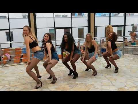 PZC2018 at AquaPark ladies show  ~ video by Zouk Soul