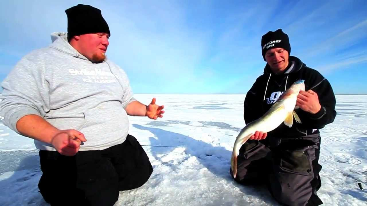 Ice fishing rippin 39 big walleyes on mille lacs lake for Mille lacs ice fishing