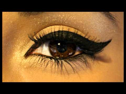  Perfect Winged Eyeliner Tutorial 