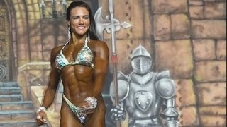 ⭐️Natália Coelho is one of the youngest IFBB Figure pros ever