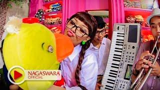 Zaskia Gotik Bebek Ngambang Official Music Video HD NAGASWARA