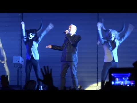 Pet Shop Boys en Chile - Suburbia (13/05/2013 Movistar Arena) HD