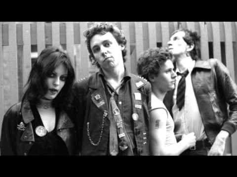 The Adverts - Bored Teenagers