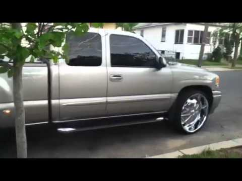 Denali quadrasteer on 28s - YouTube