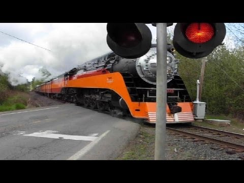 SP 4449 #1 most viewed train video Daylight Steam Engine with Casper Mountain passenger car coming from Albany, Oregon going to Portland, Oregon The World's ...