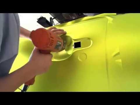 Pemasangan stiker mobil fullbody menggunakan intermediate cal