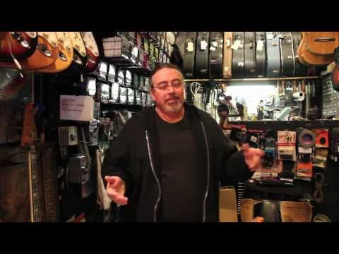 Dans Chelsea Guitars / VINTAGE GUITARS pt.1 / Vintage&RareTV