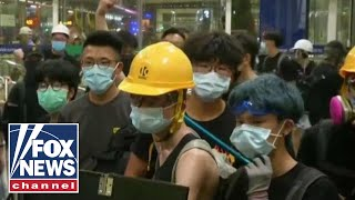 Chaos erupts at Hong Kong airport for second straight day