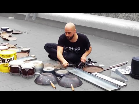 Dario Rossi - Great techno house street drummer