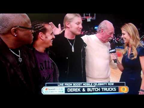 Derek & Butch Trucks - Halftime Show at Knicks/Cavs Game 3/4/11