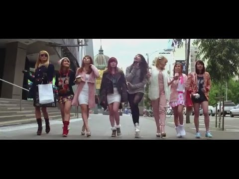 Crush - Official Movie Trailer, Starring: Cherrybelle, Deva Mahenra, Indro Warkop video