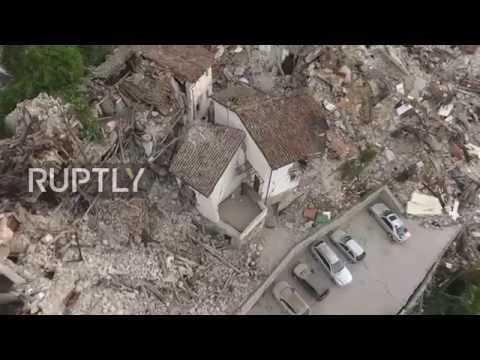 Un drone mostró imágenes aéreas del devastador terremoto en Italia que ya se cobró 241 víctimas